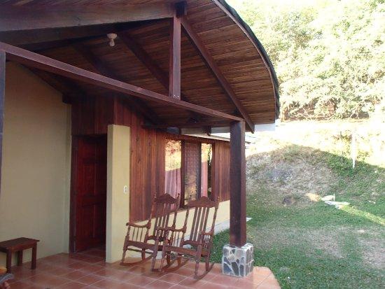 Rinconcito Lodge: Front patio