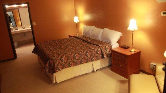 Shawano, Ουισκόνσιν: 1 King Poolside Room