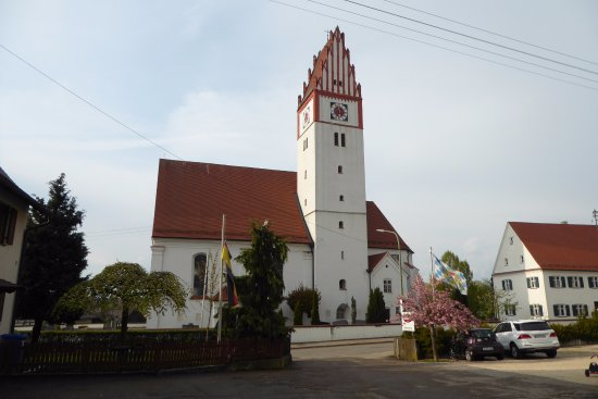 Bubesheim, Alemania: church next to the guesthouse