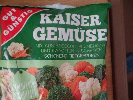Bad Groenenbach, Германия: es riecht immer streng nach Fett. Man stinkt wenn man heim kommt. Machts gut Schnitzelalm. :(