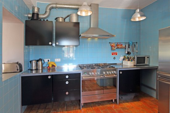 Estombar, Portugal: Communual kitchen to cook your own meals