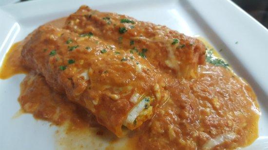 Da Grazia Ristorante: Cannelloni stuff with ricotta cheese and spinach topped with our homemade tomato sauce