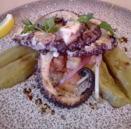 Sao Roque do Pico, Portugal: The amazing octopus with the sweet potatoes !