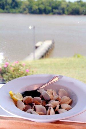 พอร์ตรอยัล, เวอร์จิเนีย: Steamed Littleneck clams