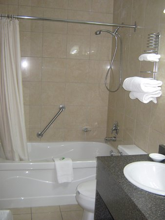 Falls Manor Resort and Restaurant ภาพถ่าย
