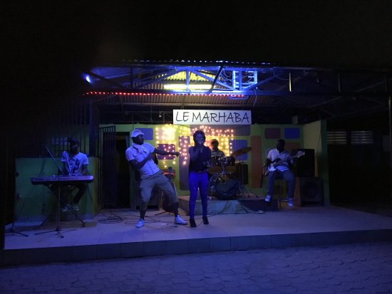 Ngaoundere, Kamerun: Live music at Marhaba