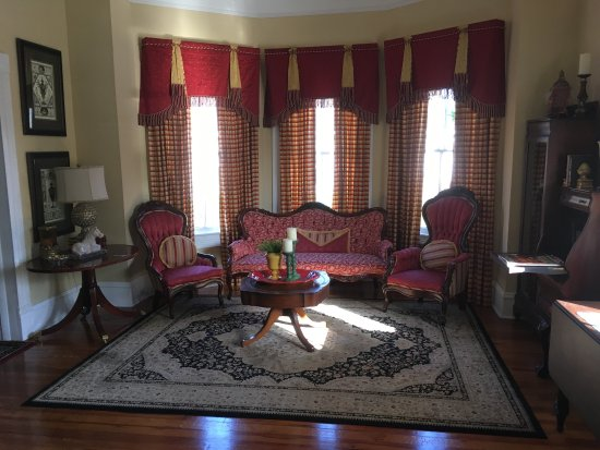 Jesup, GA: Evelette Belle Suite and other interior and exterior shots