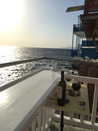 Wow! The best drink&sunset place ever!:-).