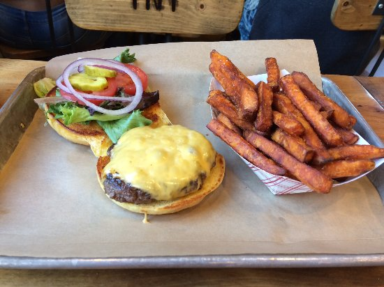 Warwick, NY: Cheese burger with sweet potato fries