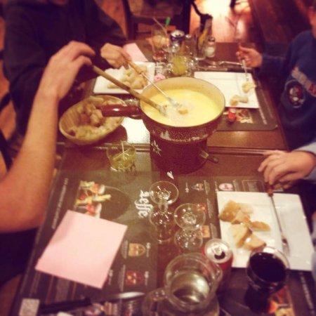 Mieussy, France: fondue savoyarde