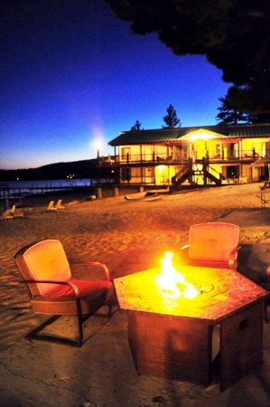 Tahoe Vista, CA: Beach fire pits where our guests RELAX-ENJOY-CHERISH.