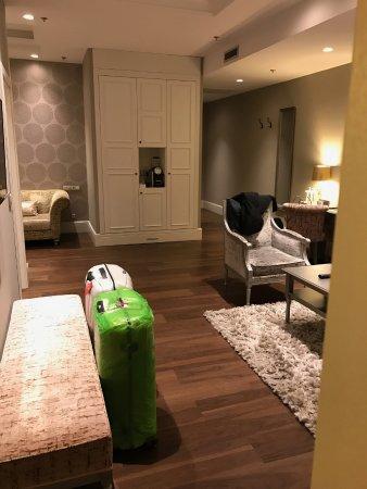 Suite: zona soggiorno - Picture of Prestige Hotel Budapest ...