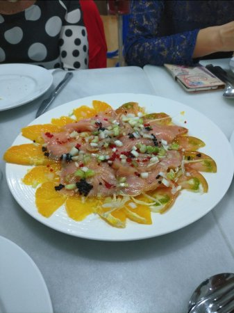 Meson Juan Pena: Ensaldada de salmón ahumado.