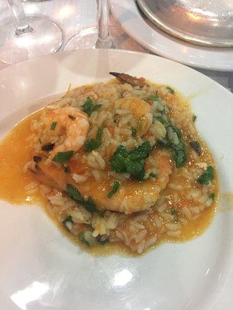Photo of Seafood Restaurant Cervejaria Real Fabrica at Rua Escola Politecnica 275, Lisbon 1250-102, Portugal