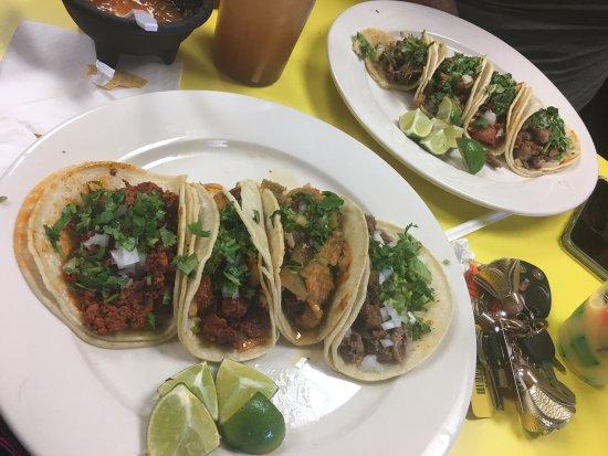 Hanover, PA: Delicioso  Tacos de : lengua, teipas, varnitas, al pastor, suadero, chorizo
