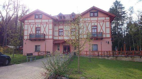 Rychnov nad Kneznou, República Checa: Druhá budova hotelu.