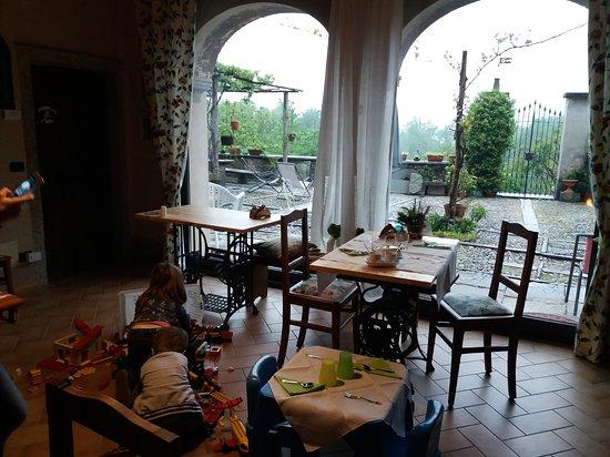 Pella, Italia: 20170501_083742_large.jpg