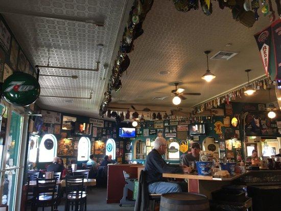 Capone's Pub & Grill: photo0.jpg