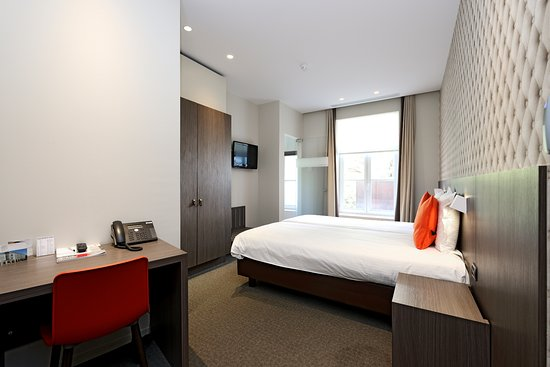 Square Hotel : Twin Kamer