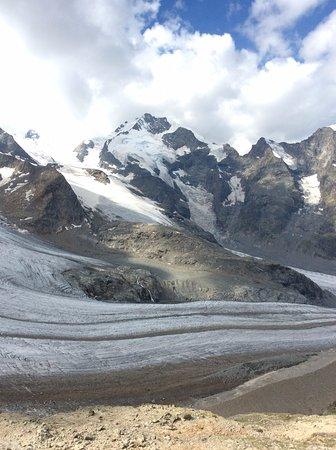 Piz Bernina: 雲が残念。