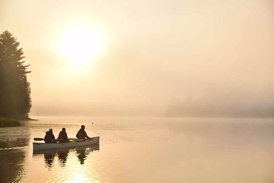 Whitehorse, Kanada: Morning paddle at Algonquin Provincial Park