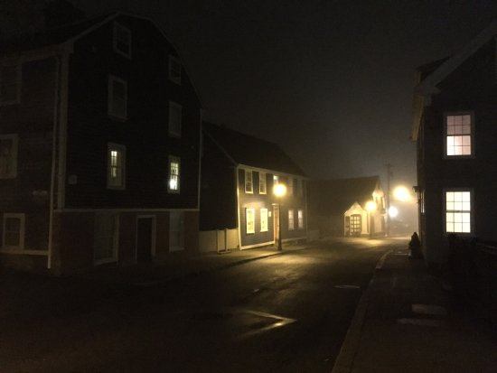Downtown Marblehead at night