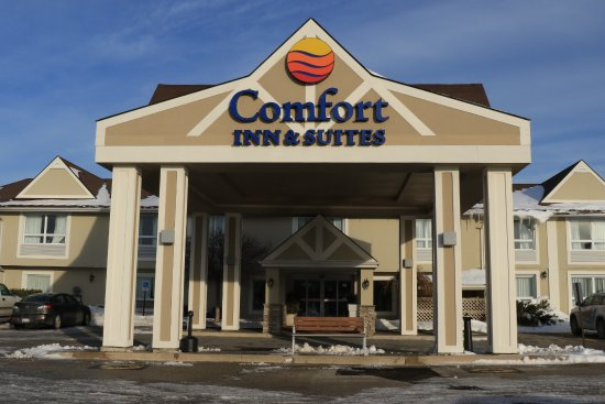 Comfort Inn & Suites: Front exterior  Part of the Hotel