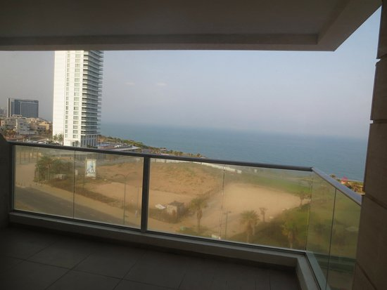 Ramada Hotel and Suites Netanya: view of Mediterranean Sea