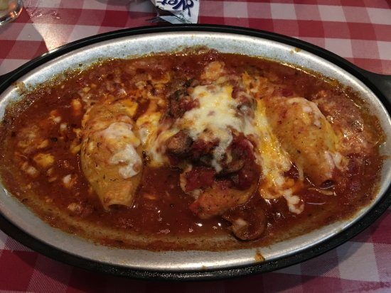 Caruso's Restaurant: Chicken parm with stuffed shells