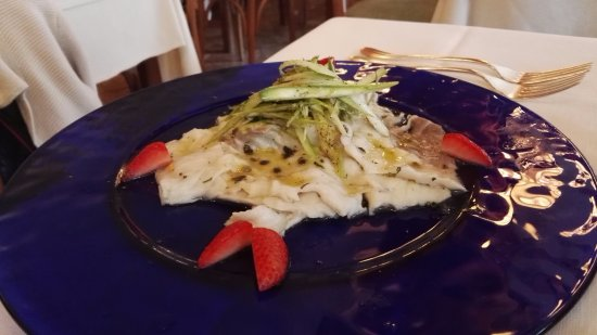 San Mamete Valsolda, Italien: Storione marinato