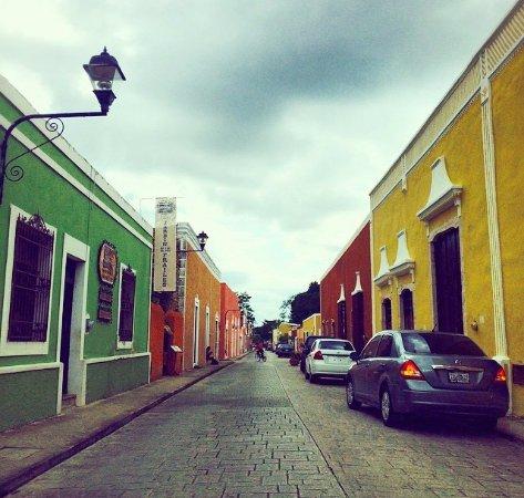 Valladolid, México: Calzada de los frailes