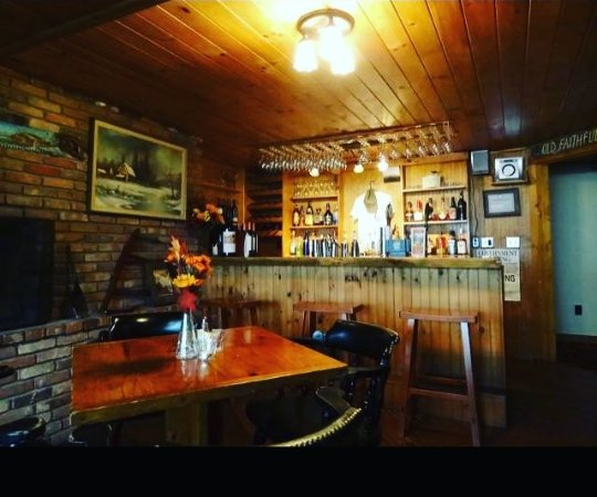North River, Νέα Υόρκη: Log House Pub