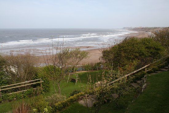 Sandsend Cottages: View from the Porthole