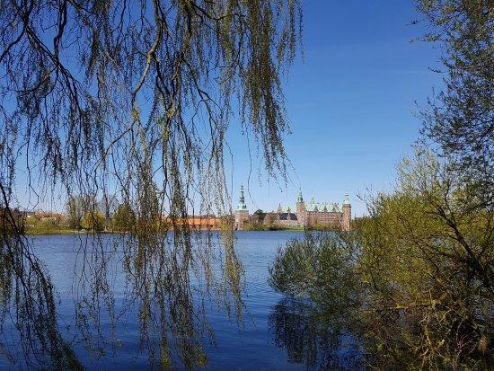 Zealand, Denmark: Vista desde el pueblo de Hillerod del Castillo