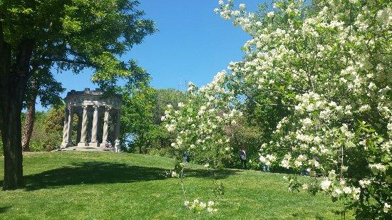 Parque el capricho alameda de osuna madrid fotograf a for Jardin historico el capricho paseo alameda de osuna 25