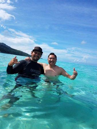 Papetoai, French Polynesia: Me and the tour guide Kali!