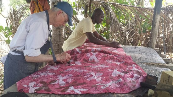 Eazy's Place: Learning batik with Eazy