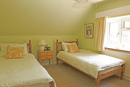 Woodacre B & B: First floor Twin room with shared bathroom