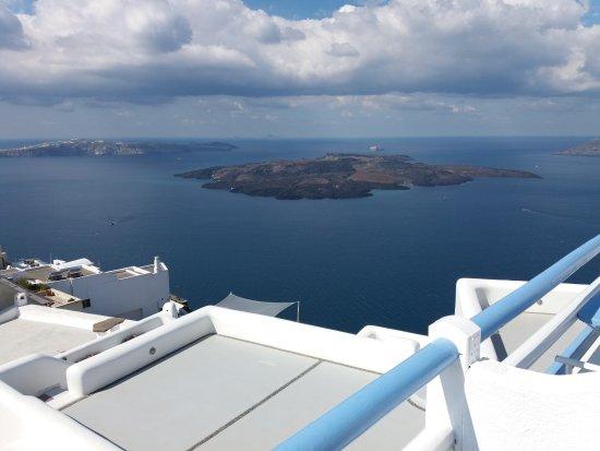 Kafieris Apartments On The Cliff: Camera vista caldera