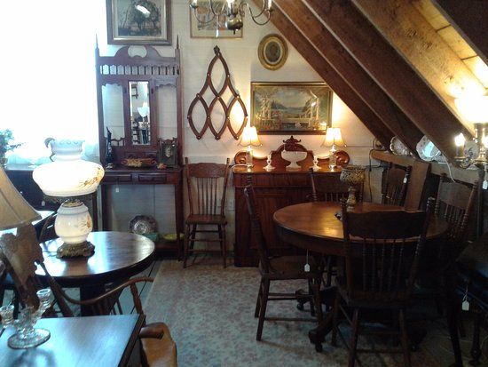 St. Stephen, Canadá: Beautiful Antique Furniture