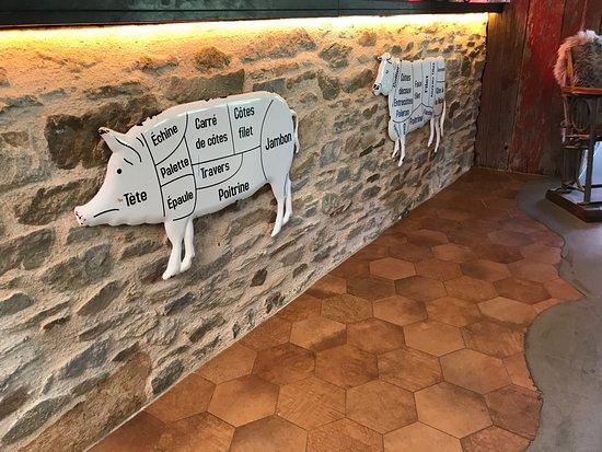 Peau de vache picture of peau de vache orvault for Chaise peau de vache