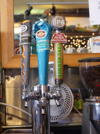 901 Columbus Cafe: Always a great Selection of Beers on Tap!