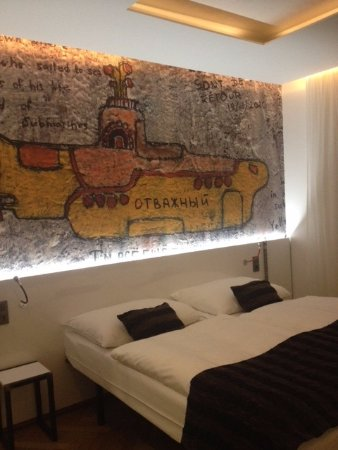 Mosaic House: Room 409