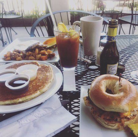 Cottonwood, AZ: Bagel sandwich and pancake
