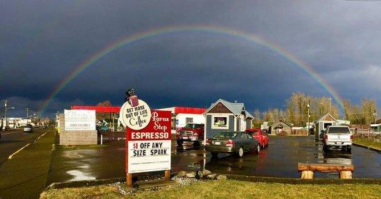 Enumclaw, WA: find good stuff here under the rainbow
