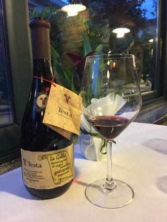 Cadeo, Italy: Vino locale