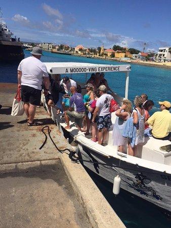 Sea Cow Snorkeling Trips: Cow boat at Bonaire pier