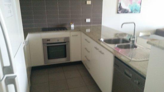 Bargara, Australia: Spacious Kitchen