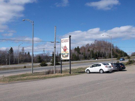 Saint-Faustin-Lac-Carre, Canada : 29 avril 2017 C'est ici sur la 117 !