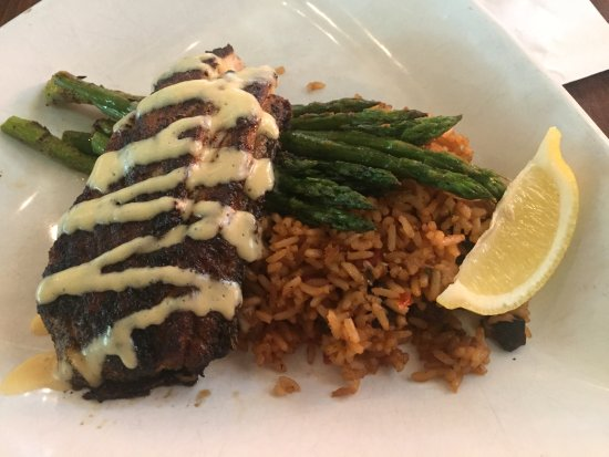 Cobalt The Restaurant: Blackened redfish with jambalaya and grilled asparagus